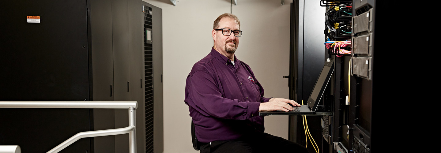 Keith Staples, Systems Analyst for Alexandria, La., realized the city's legacy storage would not support its virtualization plans.